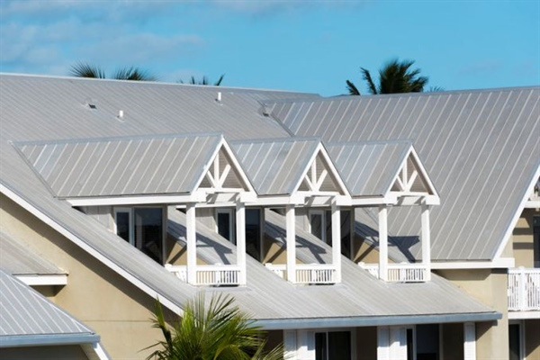 Metal Roofing: 11 Advantages and Drawbacks